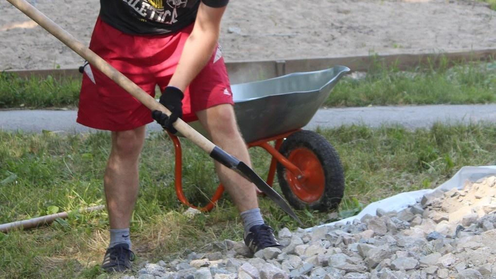 В Омской области будут работать летом больше 10 000 подростков