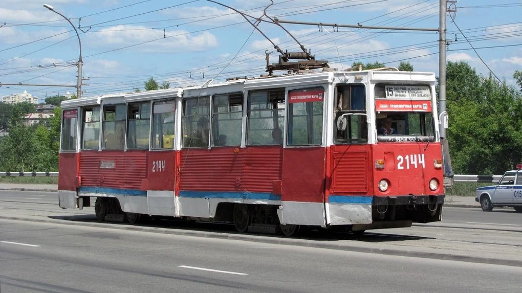 В Новосибирске сделают косметический ремонт трамвайных путей на улице Мира