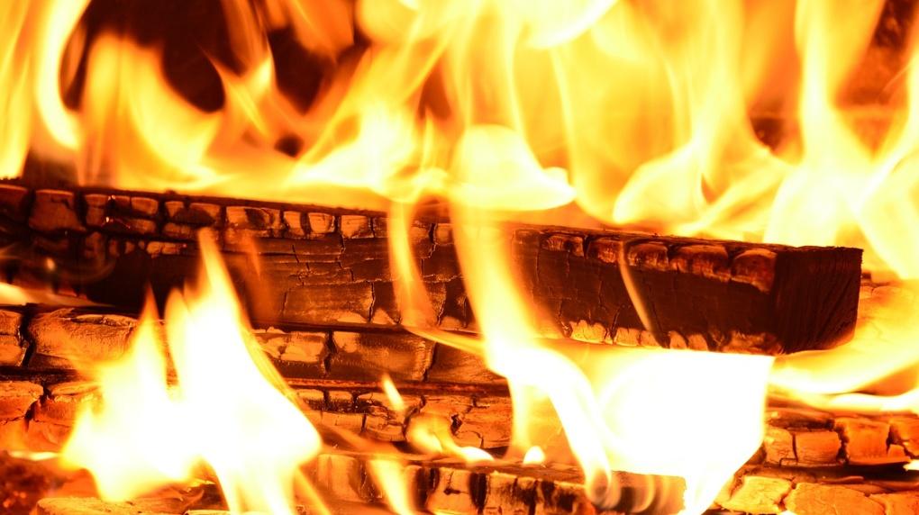 Более 300 человек эвакуировали из-за пожара в детском саду