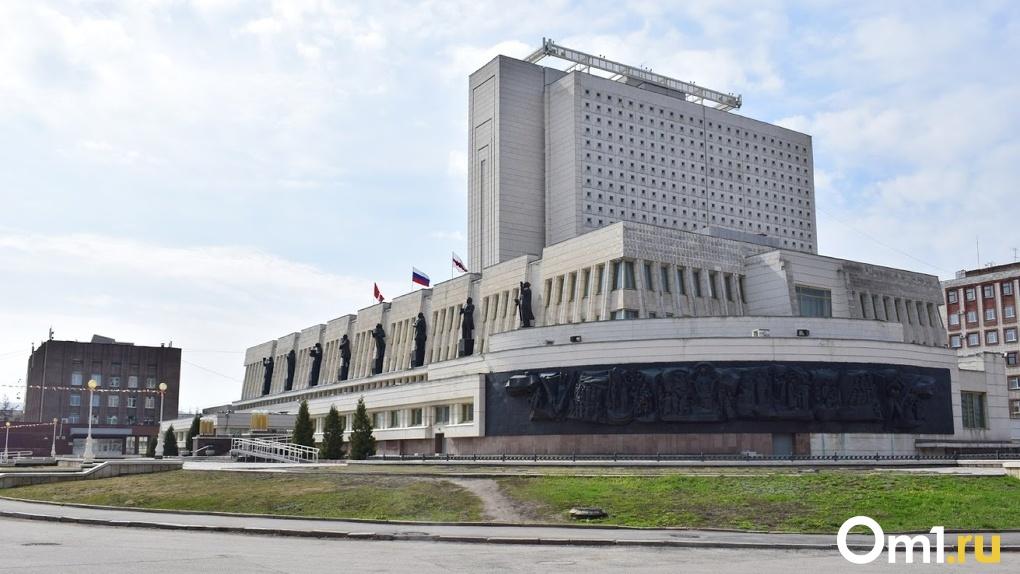 «Это, конечно, восхищает». Александр Бурков поделился впечатлениями от посещения омской библиотеки