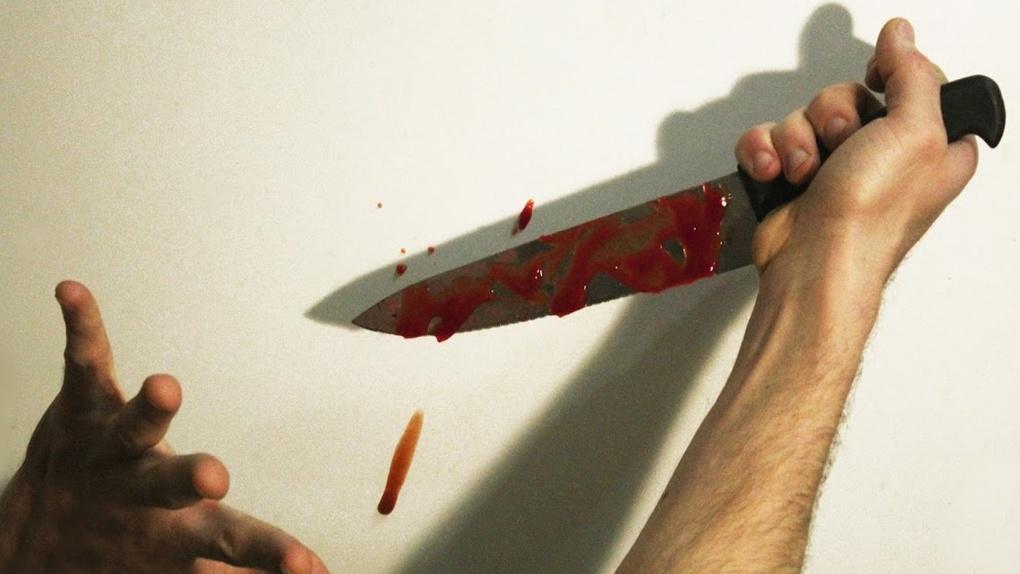 Пациент омской больницы схватил нож и устроил разборку с другими больными