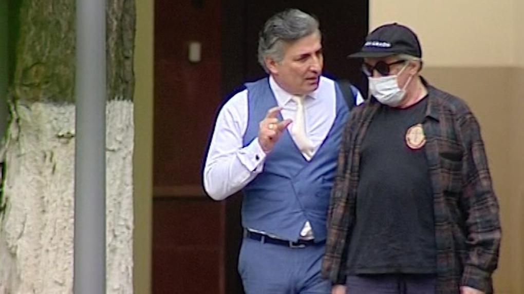 Адвокат актёра Михаила Ефремова вылетел из Новосибирска в Москву на суд по делу о громком ДТП