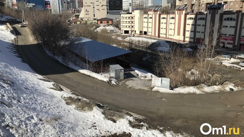 Закатывают реку в бетон: в Новосибирске разгорается скандал из-за застройки водоёма (расследование)