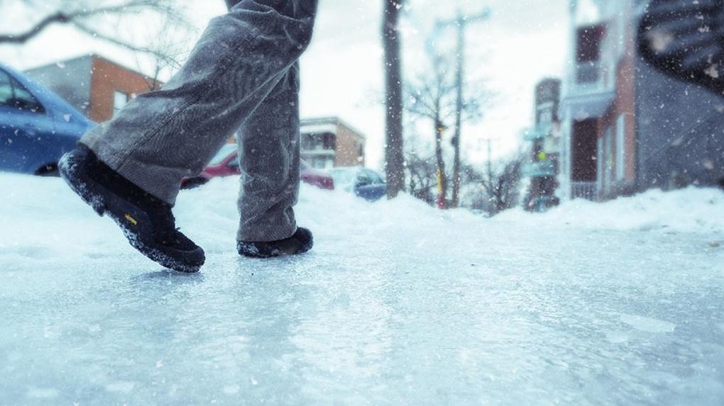 Почти 8500 новосибирцев получили переломы и ушибы из-за гололеда на дорогах