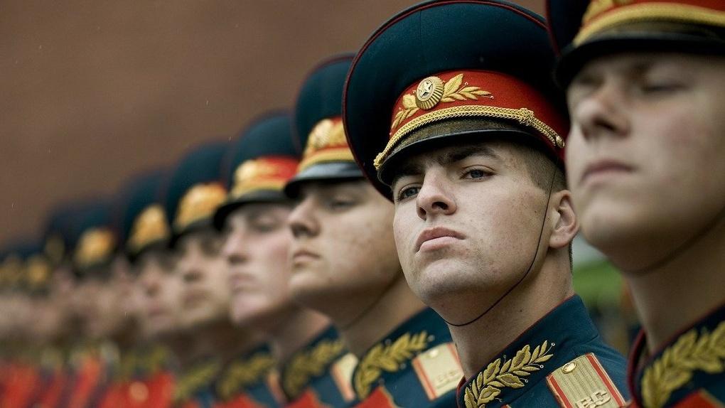 Курсантов новосибирского военного училища не отпустят домой из-за коронавируса
