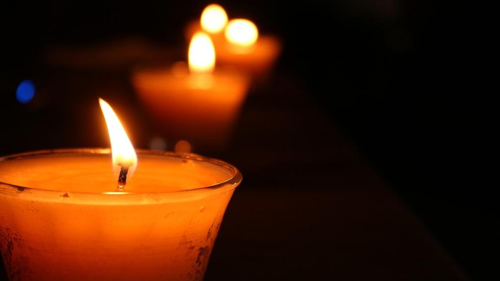 «Мы не можем даже присутствовать на похоронах». Экс-омич рассказал о смерти своей бабушки от коронавируса