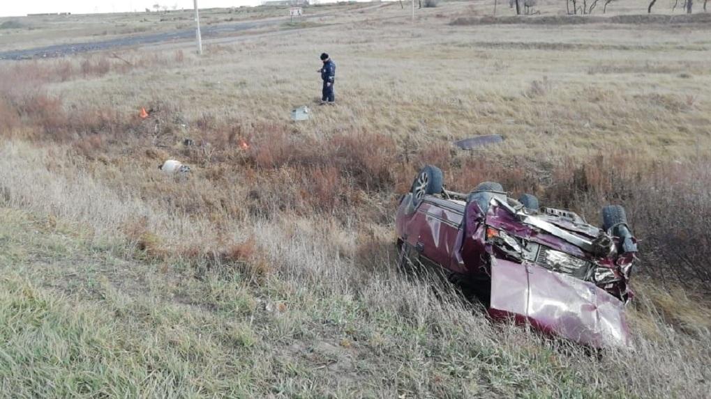 Вылетели из кабины: смертельная авария произошла на трассе в Новосибирской области