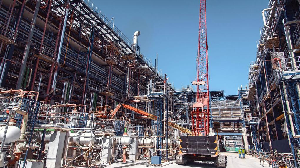 Технологии ради экологии: «Газпром нефть» начинает испытания комплекса глубокой переработки нефти
