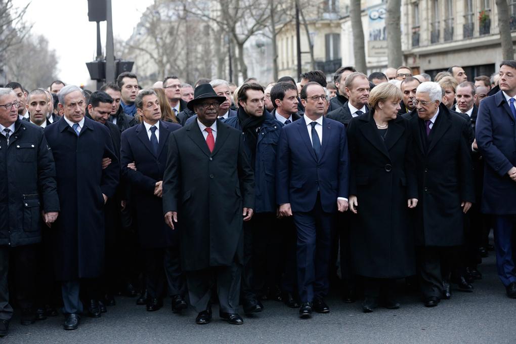 Это постановка! Европейские СМИ разоблачили совместный марш политиков и парижан