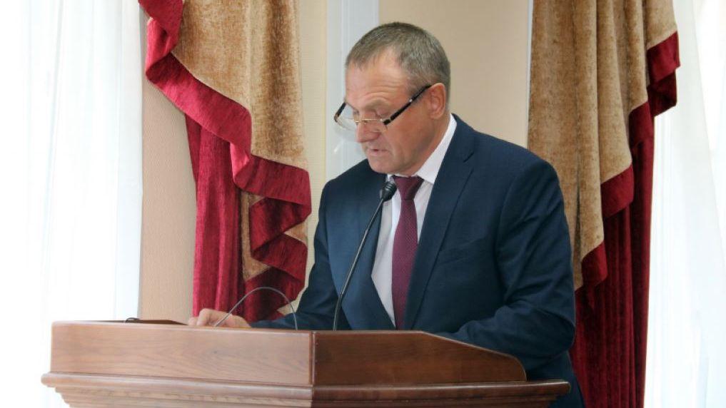Глава миграционный службы Новосибирска ушёл в отставку после коррупционного скандала