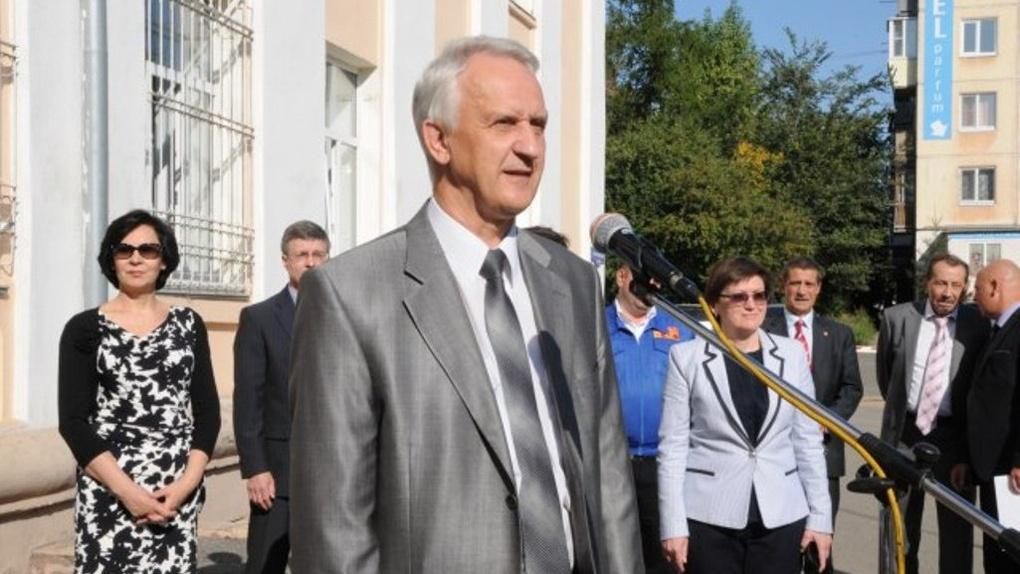 Ректор ОмГУ заработал за год почти 3 миллиона рублей