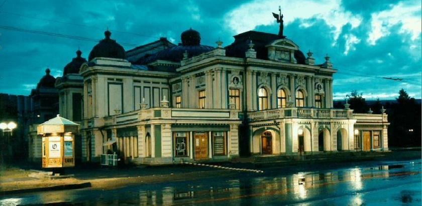 Коллектив Омского драмтеатра просит Следственный комитет освободить фигурантов по делу «Седьмой студии»