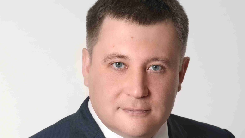 Директор «Омскэлектро» объяснил покупку иномарок заботой о человеческих жизнях
