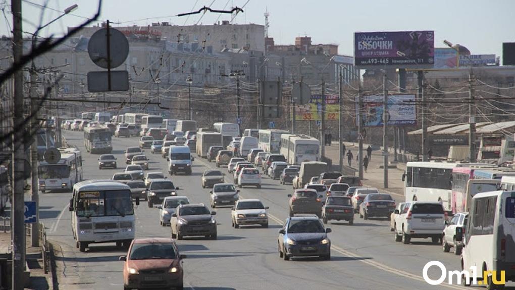 По Омску на автомобилях ездили почти 200 наркоманов и людей с психическими расстройствами