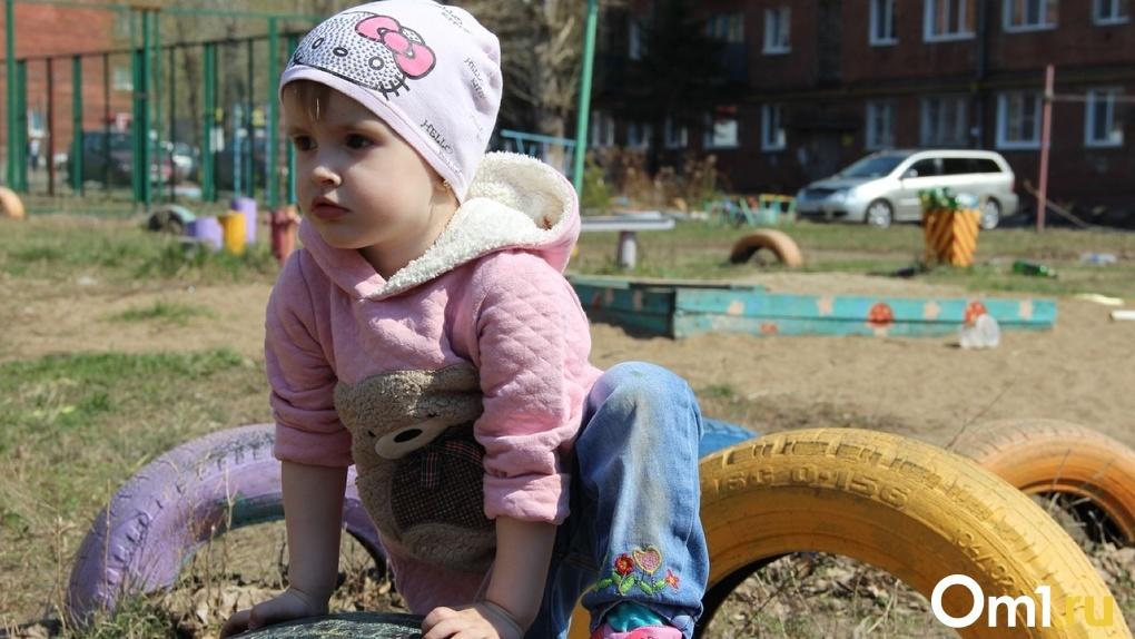 Заявок больше, чем денег. Стало известно, где в Омске отремонтируют дворы, дорожки и тротуары. СПИСОК