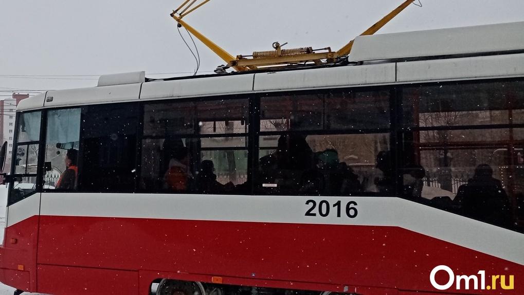 В Новосибирске появится 50 новых трамваев к Молодёжному чемпионату мира по хоккею — 2023