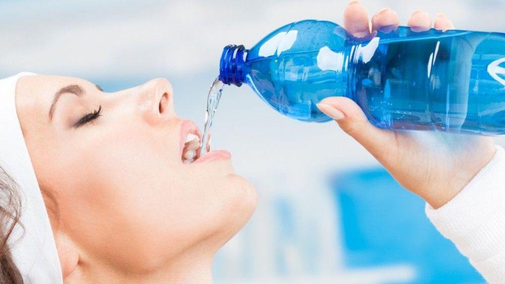 «Сняла маску, чтобы попить воды»: жительницу Новосибирска осудили за нарушение правил проезда в маршрутке