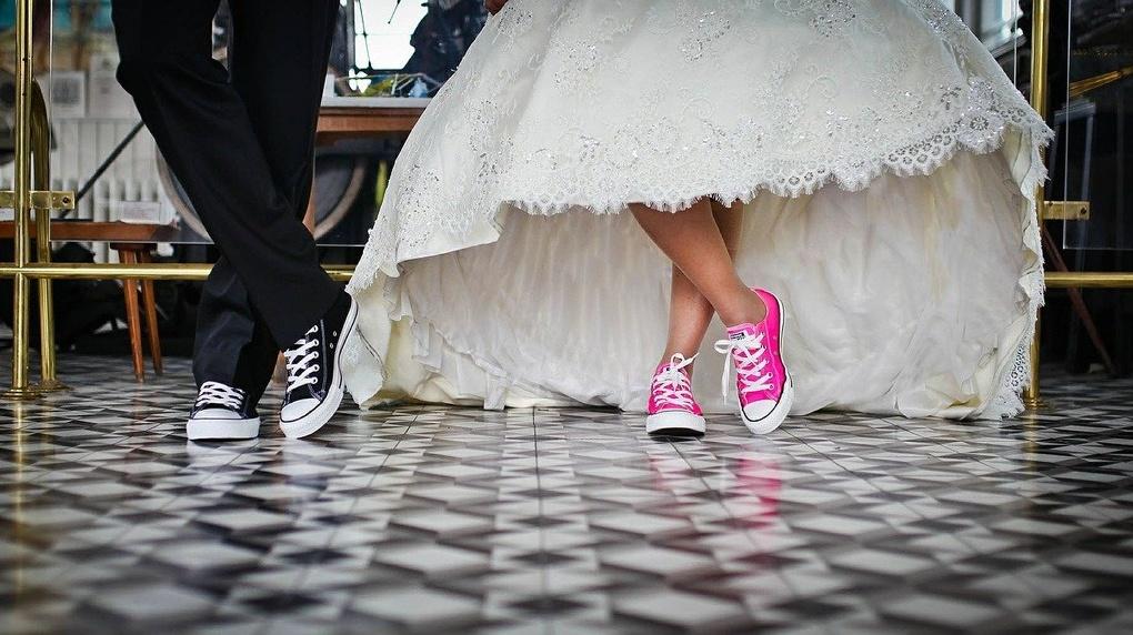 В Омске свадьбу сыграли 92-летний жених и 81-летняя невеста