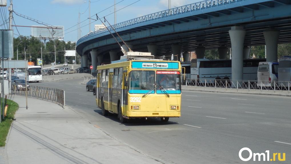 Когда новосибирский транспорт переведут на муниципальный контракт? Депутаты обсудили непростой вопрос