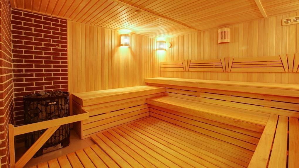 Комплекс отдыха заплатил поскользнувшейся в бане омичке почти 73 тысячи рублей