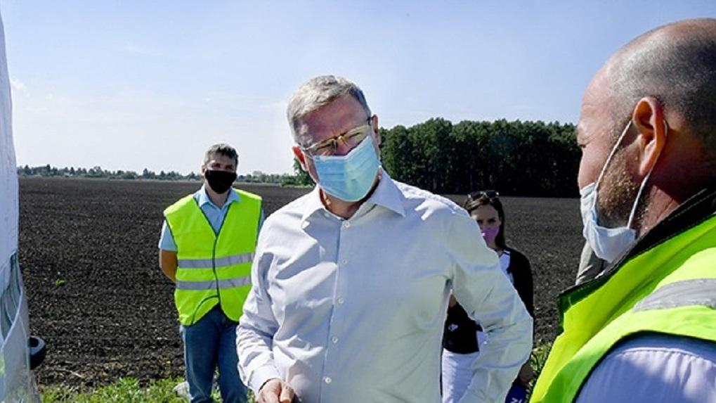 Губернатор проинспектировал реконструкцию дороги к Большим Полям