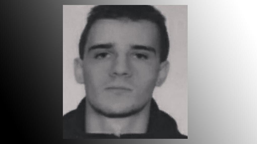 Поезд зарезал 20-летнего новосибирца, пропавшего на «Опеле» на прошлой неделе
