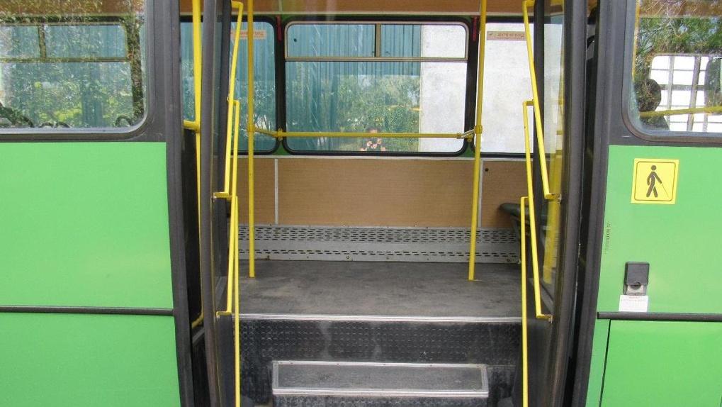 В Новосибирске автобус насмерть сбил 82-летнюю пенсионерку