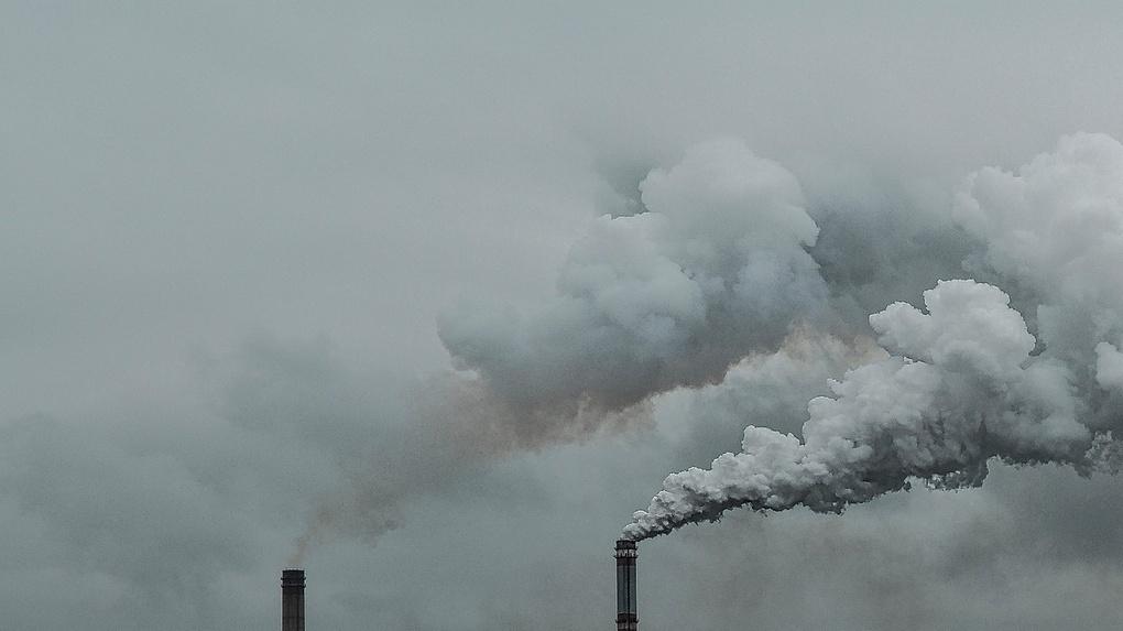 «Вы не знаете, что такое воняет»: омичи сообщили о выбросах в Чкаловске