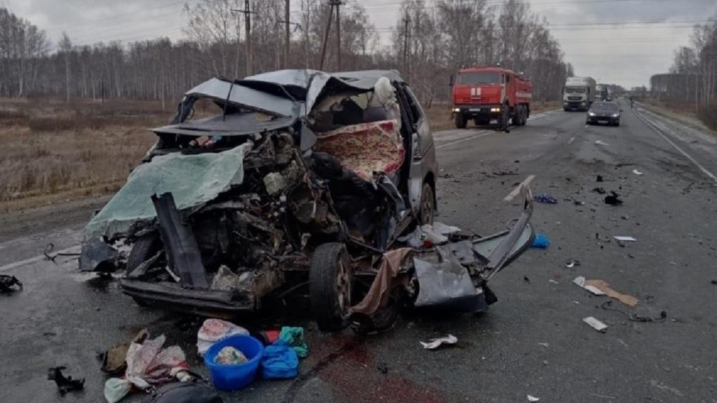 Число жертв страшного ДТП в Новосибирской области выросло до шести человек