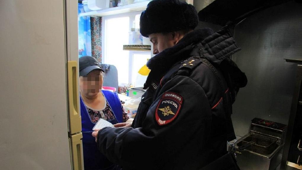 Выдворенный из России иностранец пешком вернулся назад и два года тайно жил в Омской области