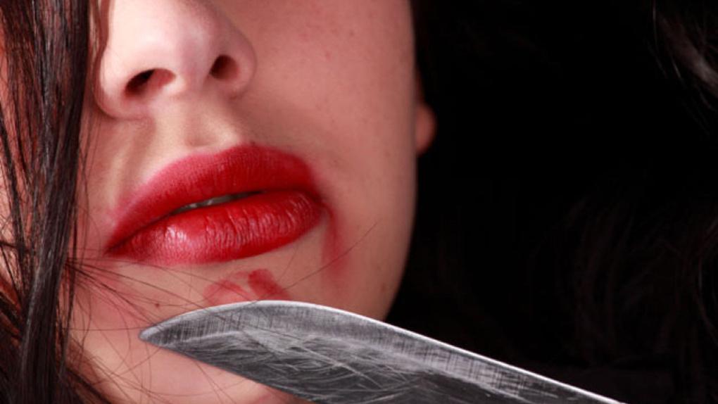 В Омской области женщина напала с ножом на мужчину
