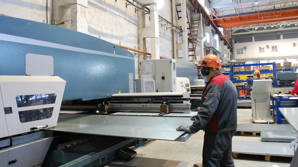 На омском предприятии «ВЭЛТА» благодаря нацпроекту создали эталонный участок бережливого производства