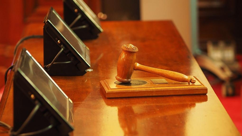 «В Бердске будут судить предвзято»: громкое дело адвоката-мошенника передали в Новосибирск