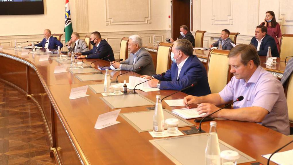 Поправки в Трудовой кодекс о дистанционной и удалённой работе обсудили в Новосибирске