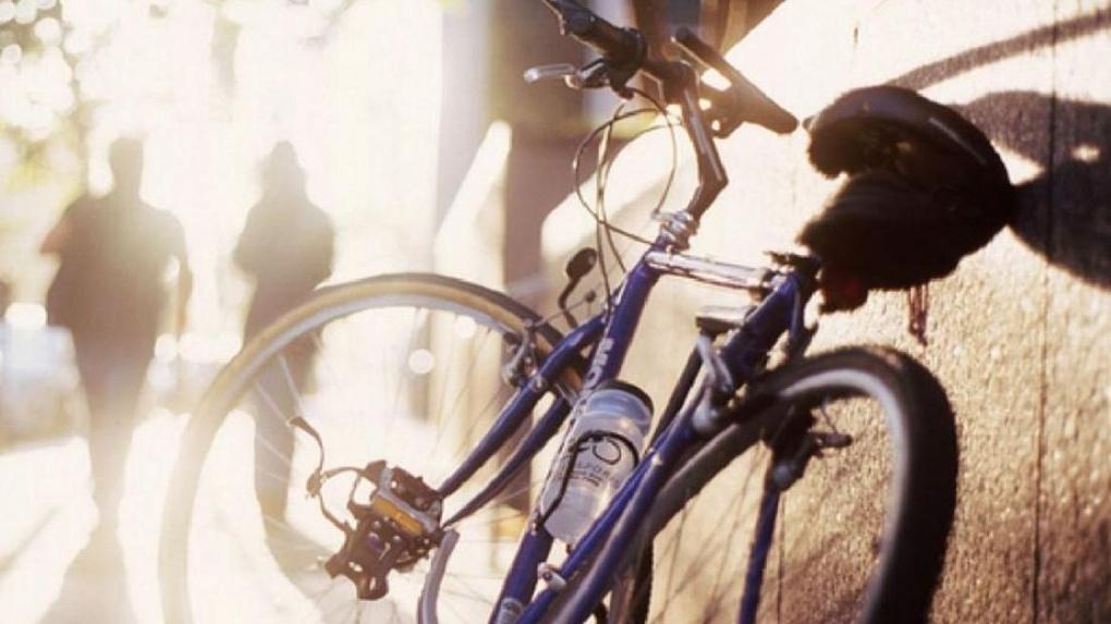 Омич отобрал у незнакомца собственный велосипед