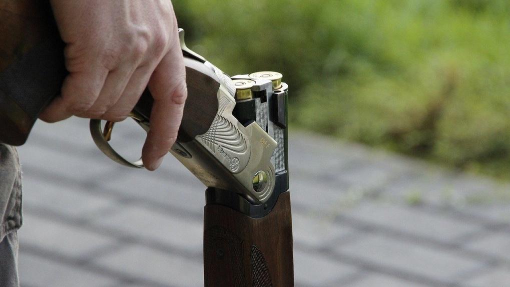 Омич решил заступиться за брата и из ружья выстрелил обидчику в голову