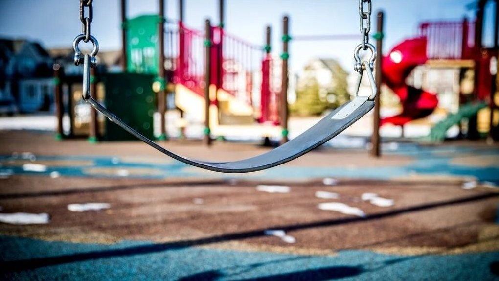 В Омске на детской площадке будут стоять киоски