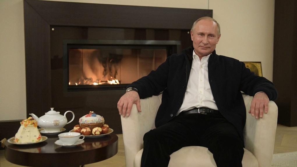 «Сильная экономика и материальная база». Путин уверен, что у России «все есть», чтобы победить COVID-2019