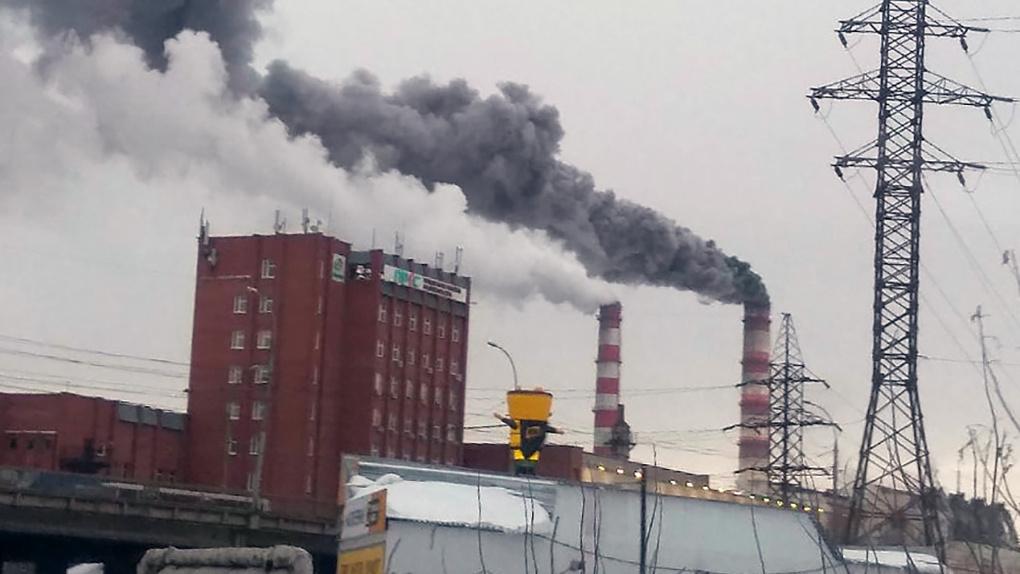 Новосибирские энергетики объяснили причину черного дыма на ТЭЦ-2