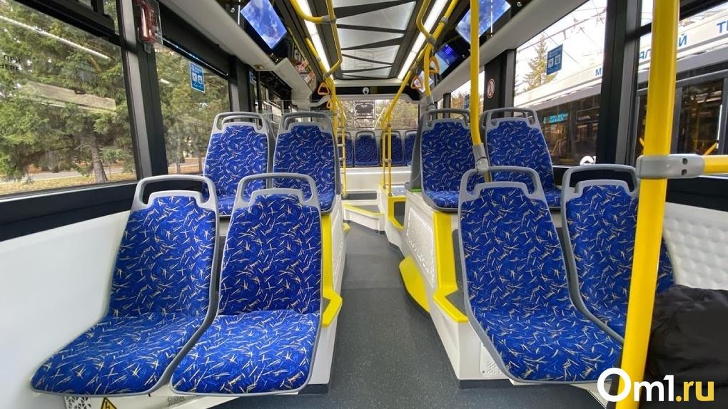 Омичей возят 29 модернизированных троллейбусов и трамваев