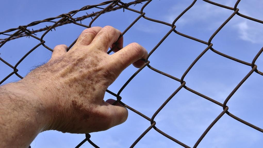 Отпуск с распорядком дня: омская колония нарушала права заключённых