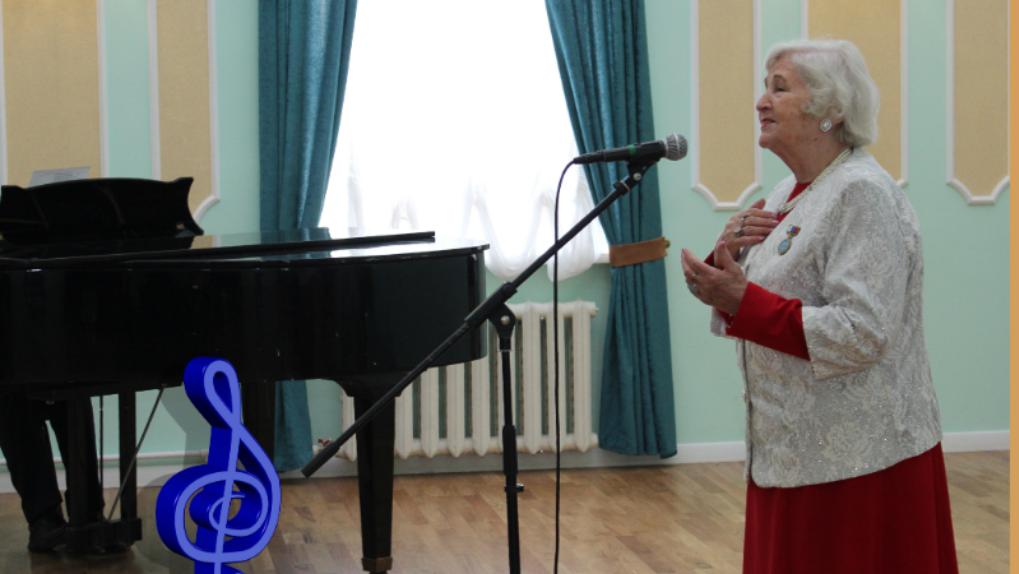 Умерла исполнительница песни «Омские улицы». У неё была пневмония
