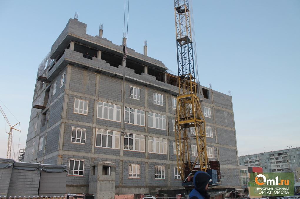 Строящуюся поликлинику на Левом берегу Омска сдадут летом