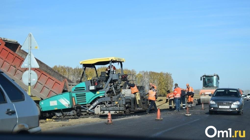 Пробки на омском Левобережье пробуют устранить с помощью одной полосы дороги