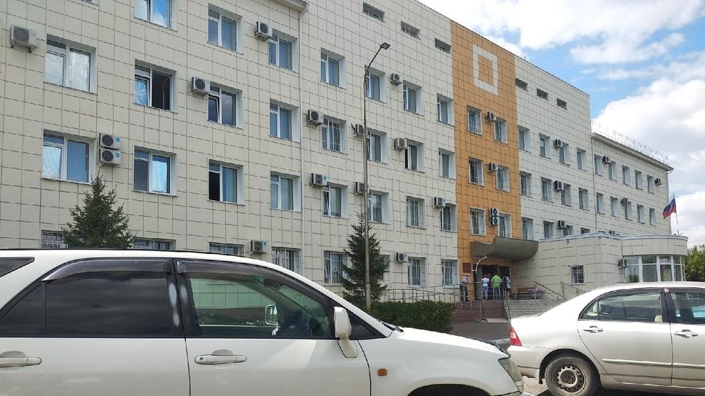 Омские экс-чиновники Масан и Гребенщиков отправились в колонию