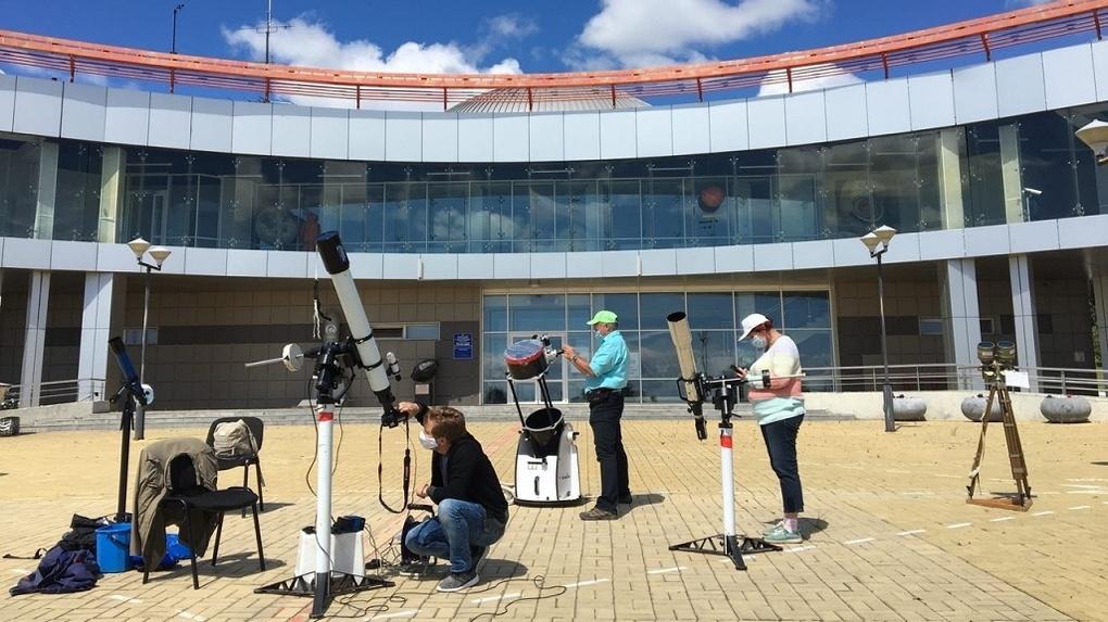 Сотрудники Новосибирского планетария показали редкие снимки солнечного затмения