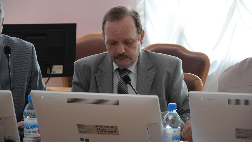 Бюджет Омска будут формировать с помощью «депутатских игр»