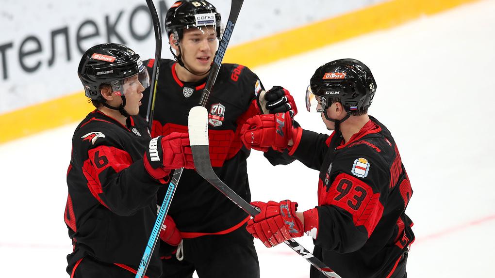 Омский «Авангард» проведет два дополнительных предсезонных матча