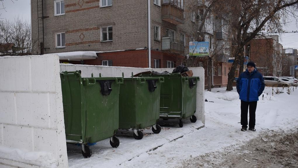 Дойдём до каждого! Незаконно выбрасывающих мусор коммерсантов предупреждают о больших штрафах