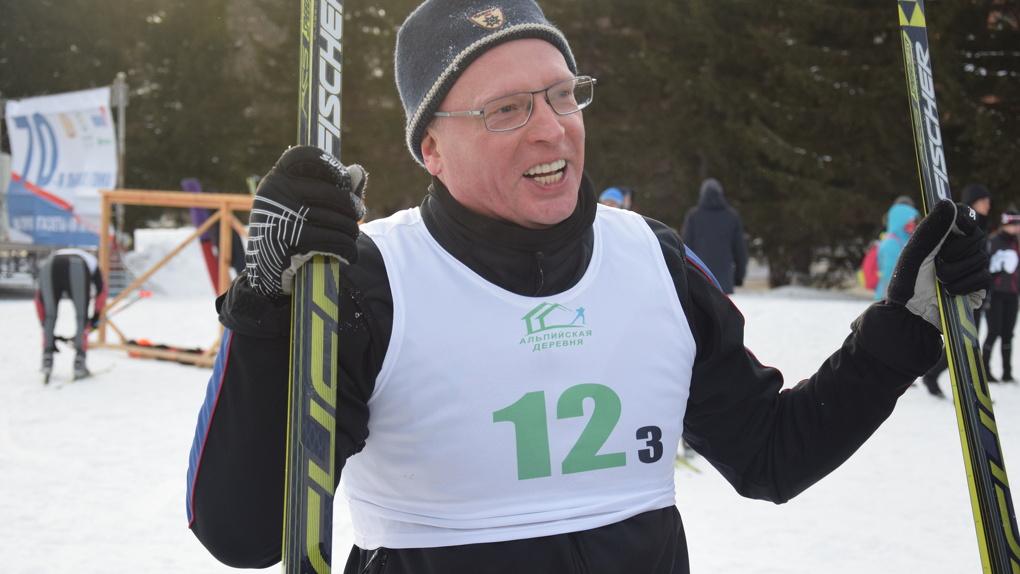 Бурков не огорчился, что не смог выиграть лыжную гонку — фото